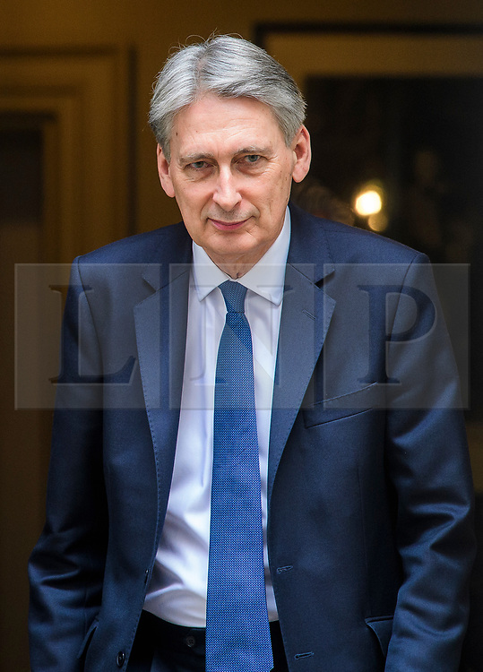 © Licensed to London News Pictures. 08/03/2017. London, UK. British chancellor PHILIP HAMMOND leaves 11 Downing Street in London before delivering his 2017 Budget to Parliament. Photo credit: Ben Cawthra/LNP