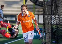 ROTTERDAM -  Roel Bovendeert (Bldaal) , maakt het winnende doelpunt,  , en brengt de stand, even voor tijd, op 1-2   tijdens de competitie hoofdklasse hockeywedstrijd mannen,  Rotterdam-Bloemendaal (1-2). .  COPYRIGHT  KOEN SUYK