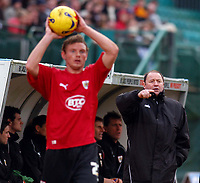 Photo: Alan Crowhurst.<br />Brighton & Hove Albion v Bristol City. Coca Cola League 1. 24/02/2007. Bristol manager Gary Johnson (R) gives the instructions.