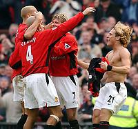 Fotball - Premier League - 18.01.2003<br /> Manchester United v Chelsea<br /> Diego Forlan og United jubler for seieren<br /> Foto: Javier Garcia, Digitalsport