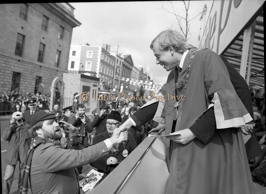"St Patrick's Day Parade.1982.17/03/1982.03.17.1982.Image of ""Bottler"" aka Brendan Grace gatecrashing the parade."