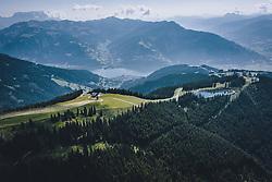 THEMENBILD - Blick auf Zell am See mit dem See und den umliegenden Bergen, aufgenommen am 30. Juli 2020 in Zell am See, Österreich // View of Zell am See with the lake and the surrounding mountains, Zell am See, Austria on 2020/07/30. EXPA Pictures © 2020, PhotoCredit: EXPA/ JFK