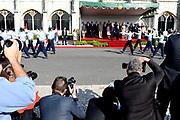 Staatsbezoek van Koning Willem Alexander en Koningin Máxima, aan de Portugese Republiek.<br /> <br /> Statevisit of King Willem Alexander and Queen Maxima to the republic of Portugal<br /> <br /> Op de foto / On the photo: Welkomstceremonie bij het Mosteiro dos Jerónimos, Belém  / Welcome ceremony at the Mosteiro dos Jerónimos, Belém Koningin Maxima