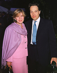 The EARL & COUNTESS OF MARCH at a dinner in London on 24th May 1999.<br /> MSK 87