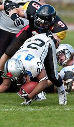 28.03.2010, Stadion Lind, Villach, AUT, AFL, Carinthian Black Lions vs Swarco Raiders Tirol, im Bild 23, Cooper Tory, RB, Swarco Raiders Tirol, 09, Ziogas Steve, DB/LB/RB, Carinthian Black Lions, EXPA Pictures © 2010, PhotoCredit: EXPA/ J. Feichter / SPORTIDA PHOTO AGENCY
