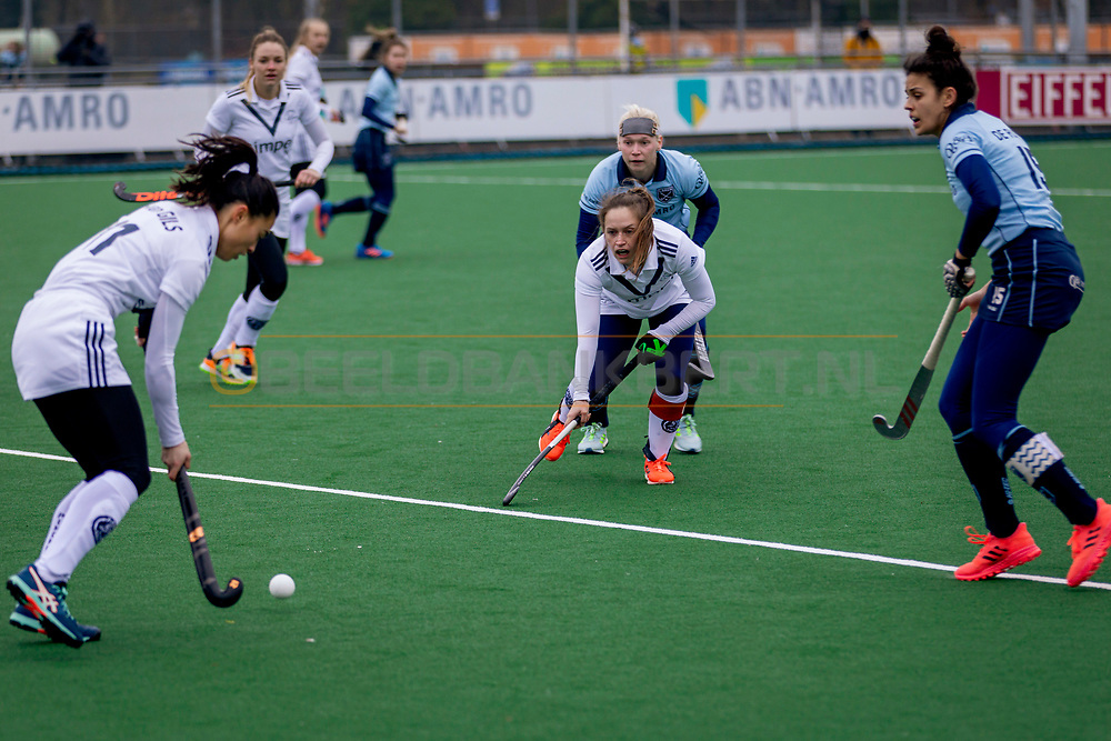 LAREN -  Hockey Hoofdklasse Dames: Laren v Pinoké, seizoen 2020-2021. Foto: Kelly Hoyng-Jonker (Pinoké, captain)