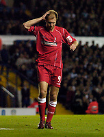 Fotball<br /> Caling Cup England 2004/2005<br /> Andre runde<br /> 21.09.2004<br /> Foto: SBI/Digitalsport<br /> NORWAY ONLY<br /> <br /> Leeds United v Swindon Town<br /> <br /> Swindon's Sam Parkin holds his head in disbelief as he fluffs a sitter from 8 yards.