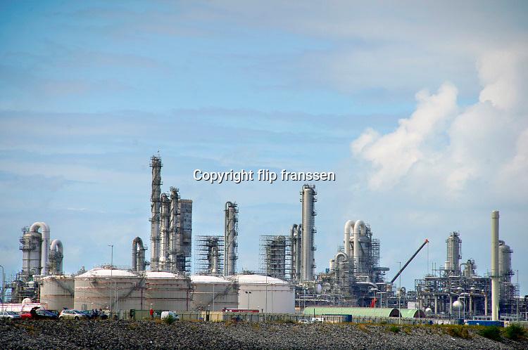 Nederland, the Netherlands, Rotterdam, 3-9-2019 Chemiebedrijf, olieraffinaderij Neste op de maasvlakte. Foto: Flip Franssen