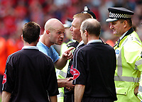 Fotball<br /> Foto: Fotosports/Digitalsport<br /> NORWAY ONLY<br /> <br /> LIVERPOOL V MANCHESTER CITY <br /> <br /> PREMIER LEAGUE 21/08/2004<br /> <br /> DANNY MILLS (MANCHESTER CITY) POINTS ACCUSINGLY AT REFERE GRAHAM POLL AT END OF MATCH AFTER RICHARD DUNNE IS SENT OFF