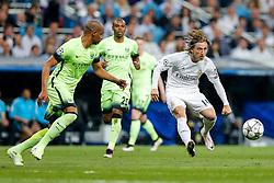 Luka Modric of Real Madrid crosses - Mandatory byline: Rogan Thomson/JMP - 04/05/2016 - FOOTBALL - Santiago Bernabeu Stadium - Madrid, Spain - Real Madrid v Manchester City - UEFA Champions League Semi Finals: Second Leg.