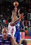 DESCRIZIONE : Varese Lega A 2013-14 Cimberio Varese Acqua Vitasnella Cantu<br /> GIOCATORE : Pietro Aradori<br /> CATEGORIA : tiro<br /> SQUADRA : Acqua Vitasnella Cantu<br /> EVENTO : Campionato Lega A 2013-2014<br /> GARA : Cimberio Varese Acqua Vitasnella Cantu<br /> DATA : 15/12/2013<br /> SPORT : Pallacanestro <br /> AUTORE : Agenzia Ciamillo-Castoria/R.Morgano<br /> Galleria : Lega Basket A 2013-2014  <br /> Fotonotizia : Varese Lega A 2013-14 Cimberio Varese Acqua Vitasnella Cantu<br /> Predefinita :