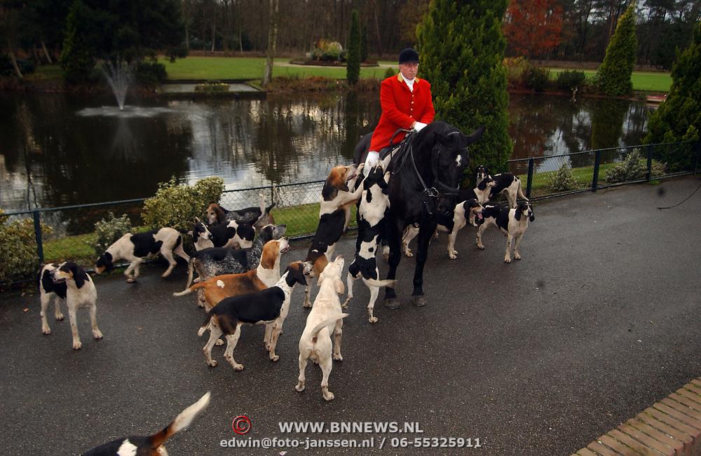 Presentatie Beaujolais Primeur, jachthonden en ruiter
