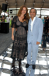 Artist ANISH KAPOOR and his wife SUSANNAH at the annual Serpentine Gallery Summer Party co-hosted by Jimmy Choo shoes held at the Serpentine Gallery, Kensington Gardens, London on 30th June 2005.<br /><br />NON EXCLUSIVE - WORLD RIGHTS