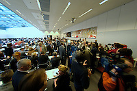 10 FEB 2004, BERLIN/GERMANY:<br /> Uebersicht Fraktionssaal vor Beginn der SPD Fraktionssitzung, Deutscher Bundestag<br /> IMAGE: 20040210-02-035<br /> KEYWORDS: Übersicht