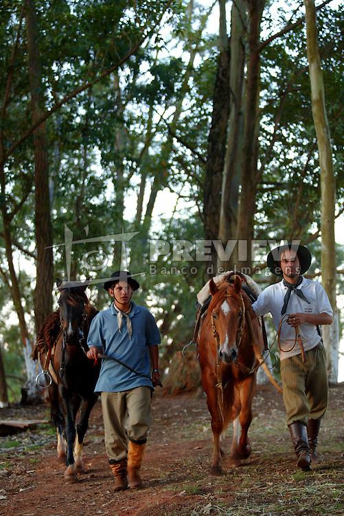 Cavalarianos depois do rodeio em Encruzilhada do Sul. Foto: Jefferson Bernardes/Preview.com