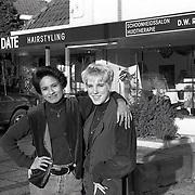 NLD/Huizen/19950103 - Kapsalon Up to Date Blaricummerstraat Huizen ext