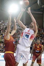 25.08.2015, Palacio de los Deportes de La Rioja, Logrono, ESP, Basketball Testspiel, Spanien vs Mazedonien, im Bild Spain's Pau Gasol (r) and Macedonia's Bojan Trajkovski // during a International Basketball Friendly Match between Spain and Macedonia at the Palacio de los Deportes de La Rioja in Logrono, Spain on 2015/08/25. EXPA Pictures © 2015, PhotoCredit: EXPA/ Alterphotos/ Acero<br /> <br /> *****ATTENTION - OUT of ESP, SUI*****