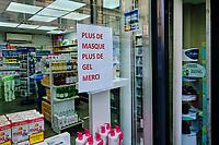 France, Paris (75), affiche Coronavirus en pharmacie Paris 10 durant le confinement du Covid 19 // France, Paris, poster for Coronavirus during the containment of Covid 19