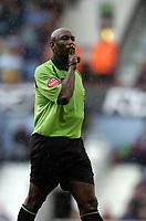 Photo: Olly Greenwood.<br />West Ham United v Reading. The Barclays Premiership. 01/10/2006. Referre Uriah Rennie