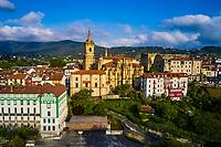 Espagne, Pays Basque, Guipuscoa, Fontarrabie, l'église de la Asunción y del Manzano et le chateau fort // Spain, Basque Country, Guipuscoa, Hondarribia, the church of La Asunción y del Manzano and the fortified castle