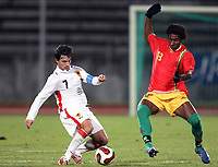 Fotball<br /> 20.11.2007<br /> Angola v Guinea<br /> Foto: Dppi/Digitalsport<br /> NORWAY ONLY<br /> <br /> FOOTBALL - FRIENDLY GAMES 2007/2008 - ANGOLA v GUINEA - 20/11/2007 - PAULO FIGUEIREDO (ANG) / KEVIN CONSTANT (GUI)