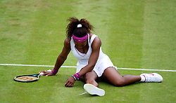 26.06.2012, Wimbledon, London, GBR, WTA, The Championships Wimbledon, im Bild Serena Williams (USA) slips over on her right ankle during day two of the WTA Tour Wimbledon Lawn Tennis Championships at the All England Lawn Tennis and Croquet Club, London, Great Britain on 2012/06/26. EXPA Pictures © 2012, PhotoCredit: EXPA/ Propagandaphoto/ David Rawcliff..***** ATTENTION - OUT OF ENG, GBR, UK *****