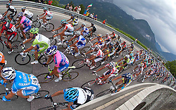20.05.2011, Großglockner Hochalpenstrasse, AUT, Giro d´ Italia 2011, 13. Etappe, Spilimbergo - Großglockner, im Bild das Hauptfeld beim Anstieg auf den Iselsberg // the main field in the growth of the Iselsberg during the Giro d´ Italia 2011, Stage 13, Spilimbergo - Großglockner, Austria, 2011-05-07, EXPA Pictures © 2011, PhotoCredit: EXPA/ J. Feichter