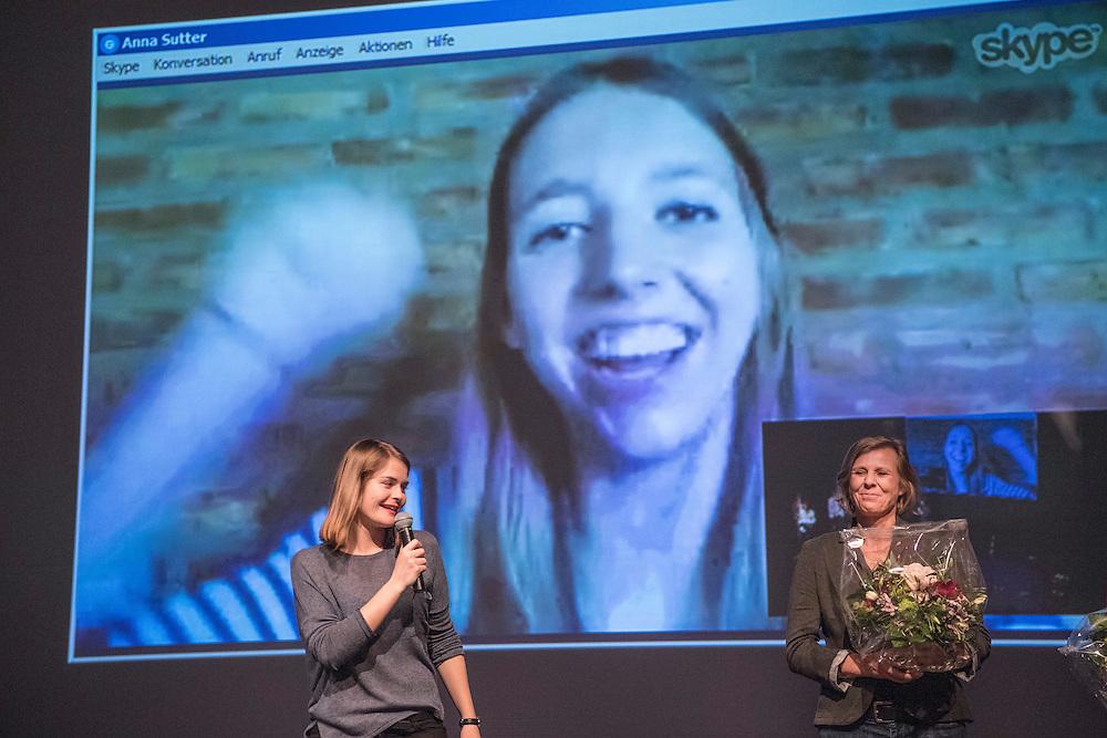 Verleihung Essaypreis 2016. Anna Milena Sutter gewinnt den zweiten Preis. © Adrian Moser