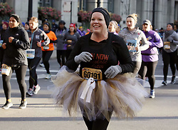 CHICAGO, Oct. 30, 2017  A female runner participates Chicago Hot Chocolate 15K/5K Race in Chicago, the United States, Oct.29, 2017. 30,000 runners participated the 10th Chicago Hot Chocolate 15K/5K Race starting at Grant Park. Finishers are treated to goody bags, a mug of hot chocolate, and treats on top of a huge celebration.  yk) (Credit Image: © Wangping/Xinhua via ZUMA Wire)