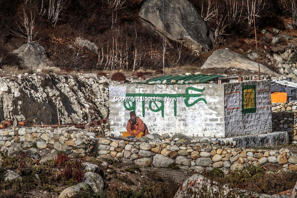 2016 10 12 Gangotri Uttarakhand India<br /> Vandring mellan Gangotri och Gamukh som är Ganges källa Vandringen går längs Bhagirathi som ganges heter här uppe<br /> <br /> ----<br /> FOTO : JOACHIM NYWALL KOD 0708840825_1<br /> COPYRIGHT JOACHIM NYWALL<br /> <br /> ***BETALBILD***<br /> Redovisas till <br /> NYWALL MEDIA AB<br /> Strandgatan 30<br /> 461 31 Trollhättan<br /> Prislista enl BLF , om inget annat avtalas.