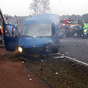 Ongeval met beknelling Crailoseweg Huizen, brandweer, ambulance, chaos, rook, lantaarnpaal