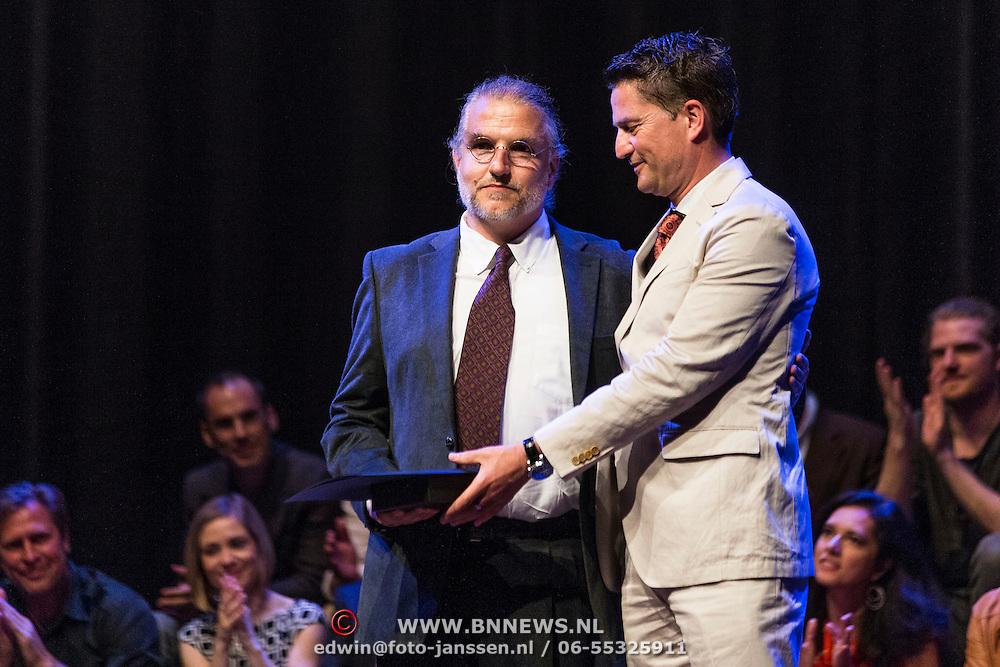 NLD/Amsterdam/20140425 - Prins Constantijn en Prinses Laurentien bij uitreiking World Press Photo 2013, Winnaar is John Stanmeyer