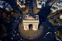 France, Paris (75), place Charles de Gaulle ou de l'Etoile, et l'Arc de Triomphe // France, Paris (75), place Charles de Gaulle or de l'Etoile, and the Arc de Triomphe
