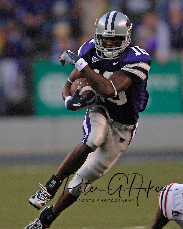 at Bill Snyder Family Stadium in Manhattan, Kansas, September 9, 2006.  The Wildcats beat the Owls 45-0.