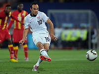 Fotball<br /> VM 2010<br /> USA v Ghana<br /> 26.06.2010<br /> Foto: Witters/Digitalsport<br /> NORWAY ONLY<br /> <br /> Tor 1:1 Elfmeter Landon Donovan (USA)<br /> Fussball WM 2010 in Suedafrika, Achtelfinale, USA - Ghana