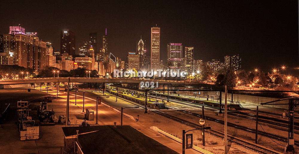 View of the L station with the Chicago skyline