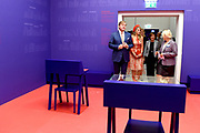 Zijne Majesteit Koning Willem-Alexander en Hare Majesteit Koningin Máxima brengen een werkbezoek aan de Duitse deelstaten Rijnland-Palts en Saarland.<br /> <br /> His Majesty King Willem-Alexander and Her Majesty Queen Máxima paid a working visit to the German federal states of Rhineland-Palatinate and Saarland.<br /> <br /> op de foto / On the Photo: Tentoonstelling 200e geboortedag Karl Marx in het Rheinisches Landesmuseum waar het Koninklijk Paar uitleg krijgt bij Das Kapital  / Exhibition Karl Marx's 200th birthday at the Rheinisches Landesmuseum where the Royal Couple gets an explanation at Das Kapital