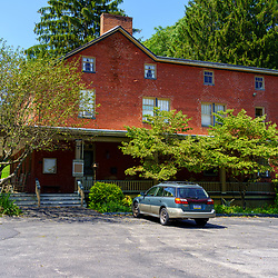Cashtown, PA, USA - September 6, 2020: The Cashtown Inn, now a bed & breakfast, is a landmark known for the thousands of Confederate soldiers that passed by on their way to Gettysburg.