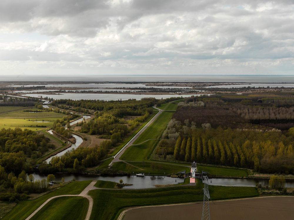 Nederland, Zuidelijk Flevoland, 16-04-2012; Oostvaardersplassen ter hoogte van Knardijk en Hollandse Hout..Nature reserve Oostvaardersplassen. .luchtfoto (toeslag), aerial photo (additional fee required).foto/photo Siebe Swart