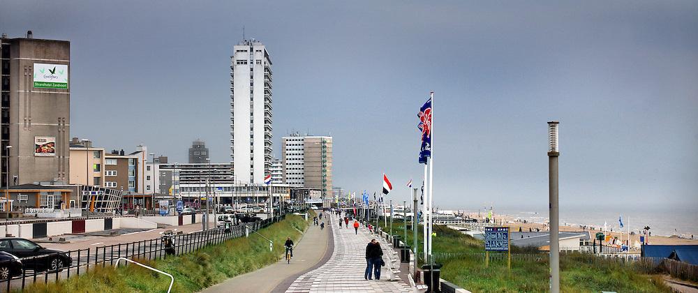 Nederland, Zandvoort , 8 mei 2013..skyline van Zandvoort in panorama..De boulevard..Foto:Jean-Pierre Jans