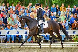 , Warendorf - Bundeschampionate 29.08. - 02.09.2001, Showtime 27 - Geiger, Marion