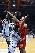 DESCRIZIONE : Caserta campionato serie A 2013/14 Pasta Reggia Caserta EA7 Olimpia Milano<br /> GIOCATORE : C.J. Wallace<br /> CATEGORIA : rimbalzo<br /> SQUADRA : EA7 Olimpia Milano<br /> EVENTO : Campionato serie A 2013/14<br /> GARA : Pasta Reggia Caserta EA7 Olimpia Milano<br /> DATA : 27/10/2013<br /> SPORT : Pallacanestro <br /> AUTORE : Agenzia Ciamillo-Castoria/GiulioCiamillo<br /> Galleria : Lega Basket A 2013-2014  <br /> Fotonotizia : Caserta campionato serie A 2013/14 Pasta Reggia Caserta EA7 Olimpia Milano<br /> Predefinita :