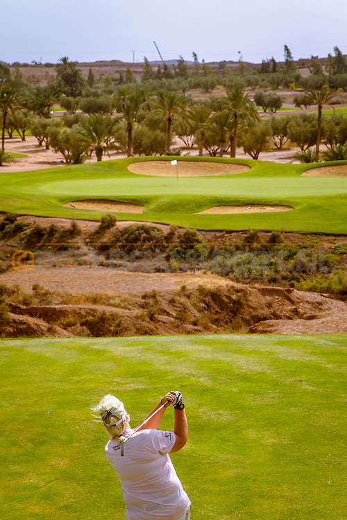 06-10-2015 -  Foto van Par-3 zeventiende bij Assoufid Golf Club in Marrakech, Marokko. De 18 holes van de Assoufid Golf Club zijn ontworpen door Niall Cameron. Bij helder weer bieden enkele holes fraaie uitzichten op het Atlas gebergte.