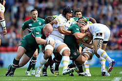 Leicester Tigers hooker Tom Youngs drives the ball forward - Photo mandatory by-line: Patrick Khachfe/JMP - Tel: Mobile: 07966 386802 - 08/09/2013 - SPORT - RUGBY UNION - Welford Road Stadium - Leicester Tigers v Worcester Warriors - Aviva Premiership.
