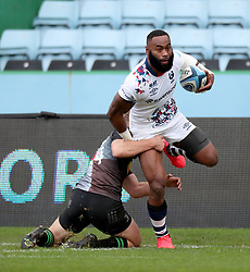 Semi Radradra of Bristol Bears is tackled by Louis Lynagh of Harlequins - Mandatory by-line: Matt Impey/JMP - 26/12/2020 - RUGBY - Twickenham Stoop - London, England - Harlequins v Bristol Bears - Gallagher Premiership Rugby
