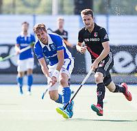 UTRECHT - Bjorn Kellerman (Kampong) met Nicki Leijs (A'dam)   tijdens   de finale van de play-offs om de landtitel tussen de heren van Kampong en Amsterdam (3-1). Kampong kampioen van Nederland. COPYRIGHT  KOEN SUYK