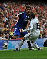 Photo: Tony Oudot/Richard Lane Photography. SV Hamburg v Real Madrid. Emirates Cup. 02/08/2008. <br /> Jose Paolo Guerrero of Hamburg beats Gabriel Heinze of Real Madrid