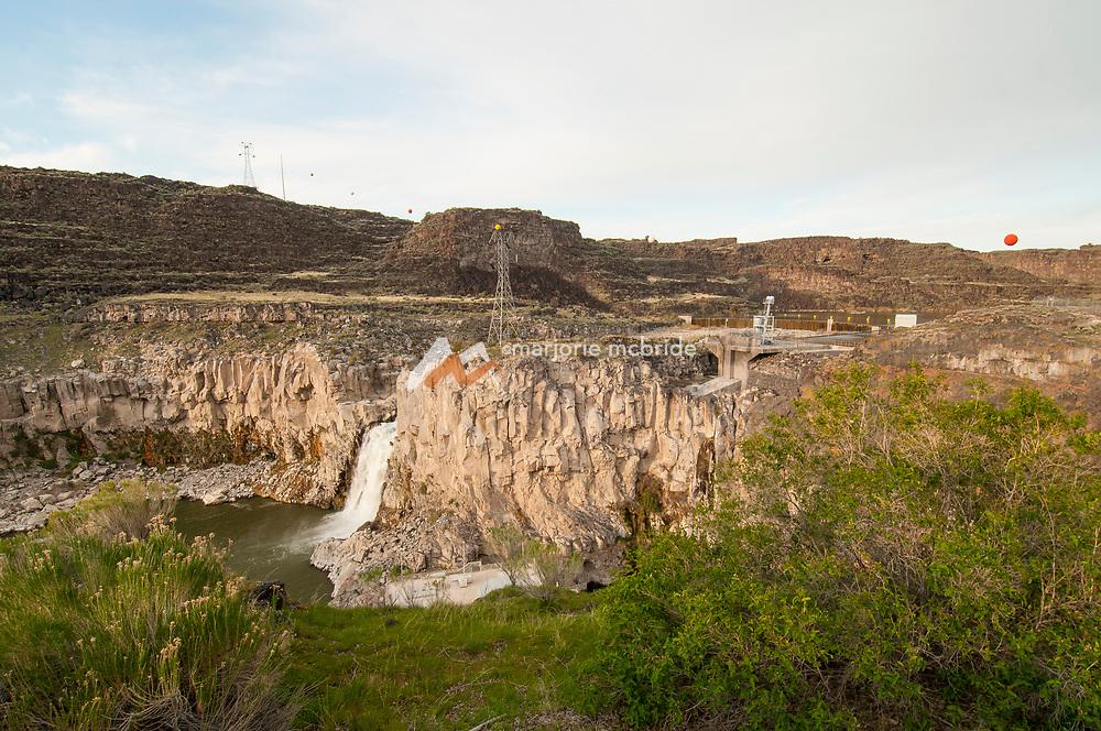 Scenic overlook of the Twin Falls waterfall and dam, in Twin Falls, Idaho.