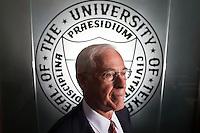 Former MD Anderson Cancer Center president John Mendelsohn