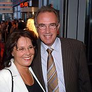 NLD/Rotterdam/20060923 - Premiere Willeke Alberti tour `Goud `, Edvard Niessing en partner Conny Fenbler